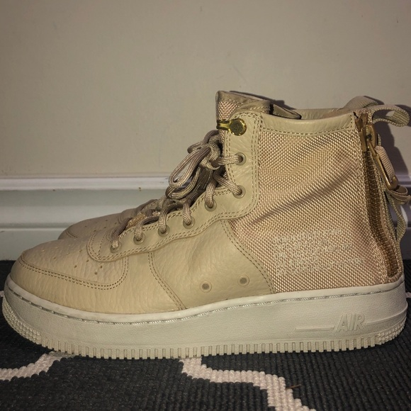 Nike Other - Nike Air Force 1 Mid Utility
